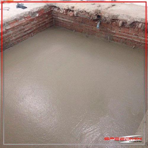Piso de concreto acabamento vassourado